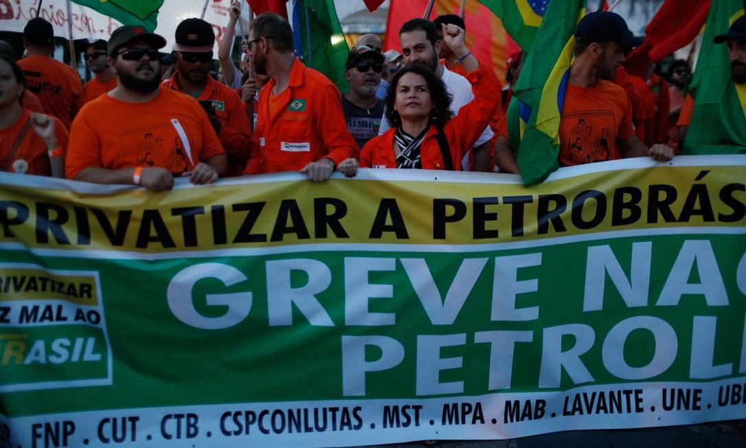 Manifestação de petroleiros na sede da Petrobrás no Rio Foto: Brenno Carvalho/18-02-2020 / Agência O Globo