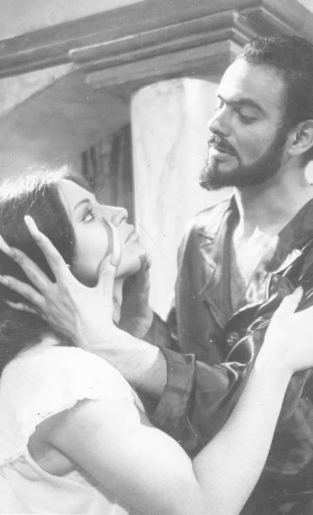 """Mojica em cena do filme """"Esta noite encarnarei no teu cadáver""""(1967) Foto: Arquivo"""