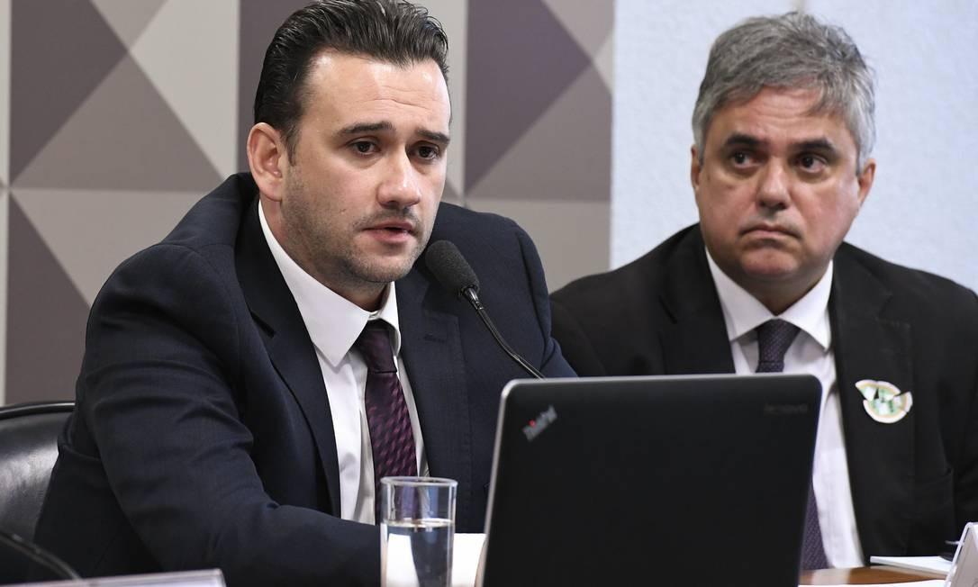 Lindolfo Antônio Alves Neto (à esquerda), sócio da Yacows, em depoimento à CPI das Fake News Foto: Roque de Sá / Agência Senado