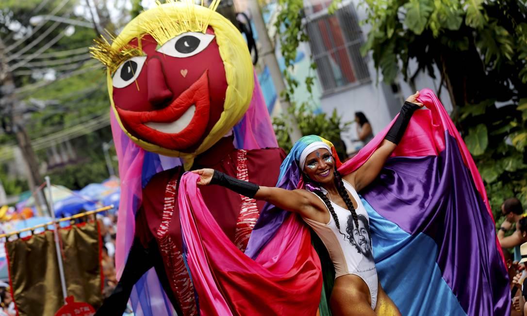 Desfile do Bloco das Carmelitas coloriu as ruas de Santa Teresa em 2019 Foto: Marcelo Theobald / Agência O Globo