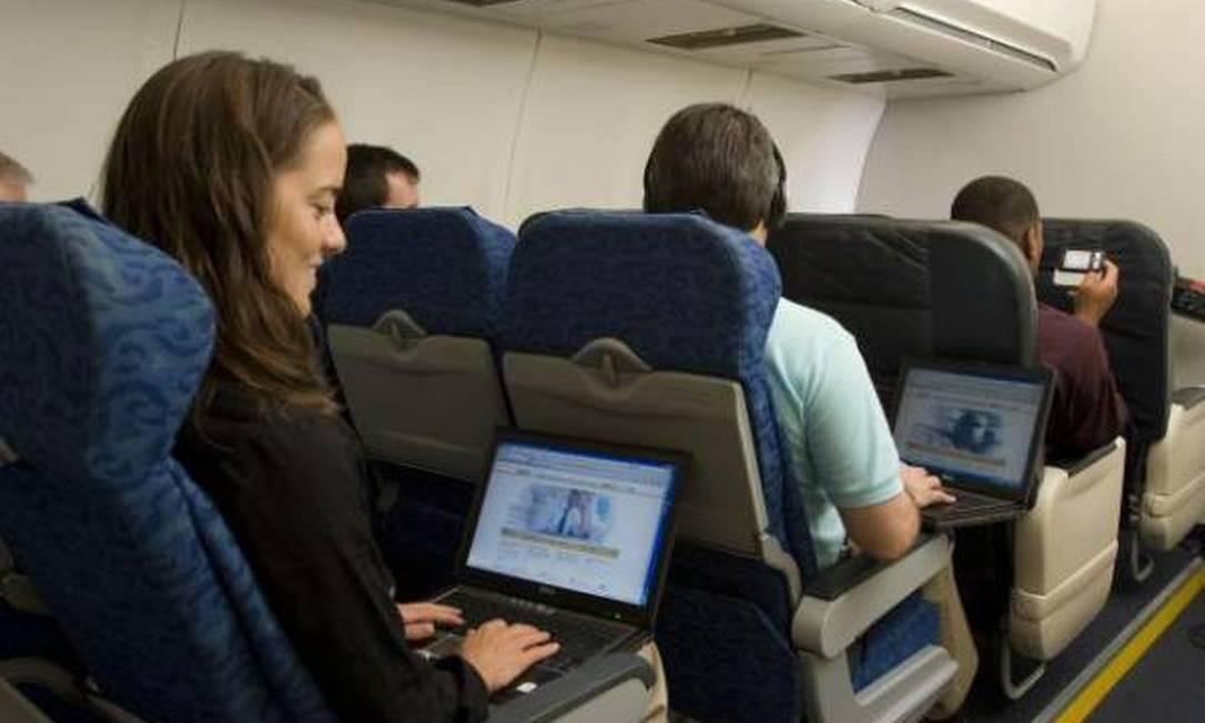 Etiqueta em viagens de avião voltou a ser discutida esta semana Foto: Divulgação