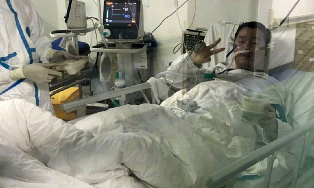 Peng Yinhua, de 29 anos, internado após contrair o novo coronavírus Foto: Reprodução / Weibo