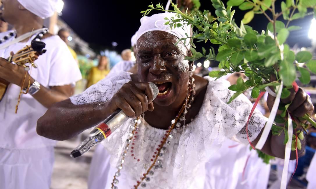 Leonardo Bessa, intérprete da Renascer, veio pintado como negro: atitude foi alvo de críticas na internet Foto: DIEGO MARTINS MENDES / Agência O Globo