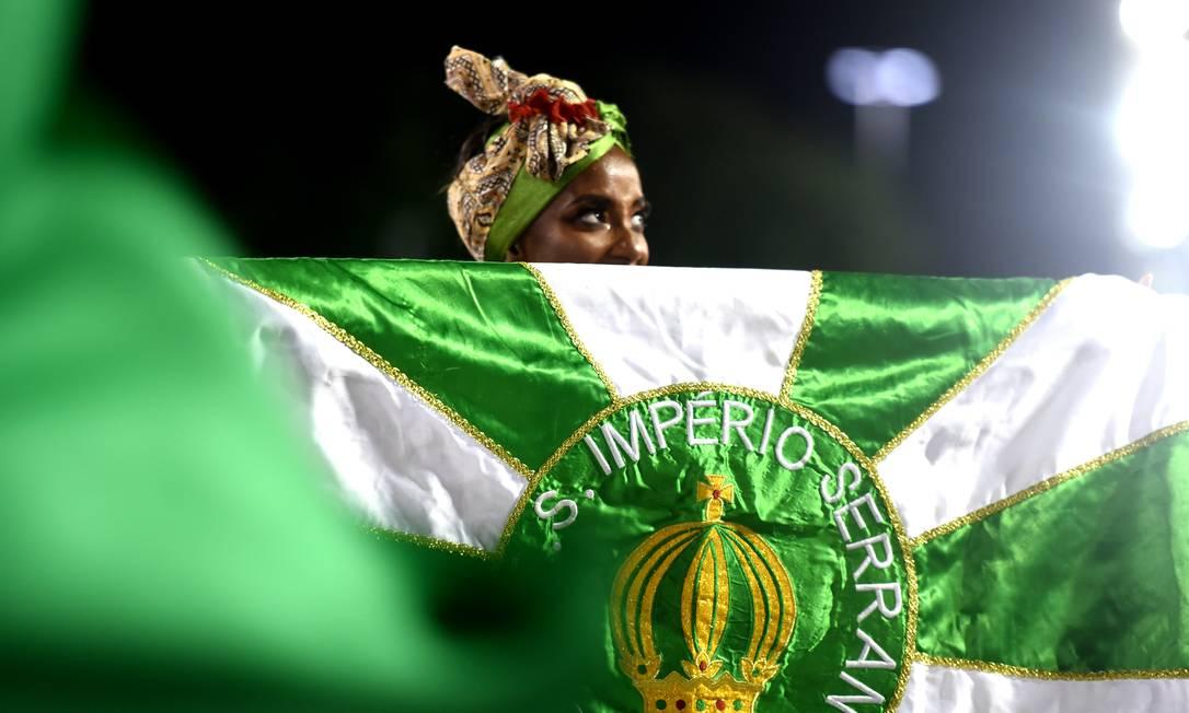 Detalhe da comissão de frente do Império, que homenageou as mulheres Foto: DIEGO MARTINS MENDES / Agência O Globo