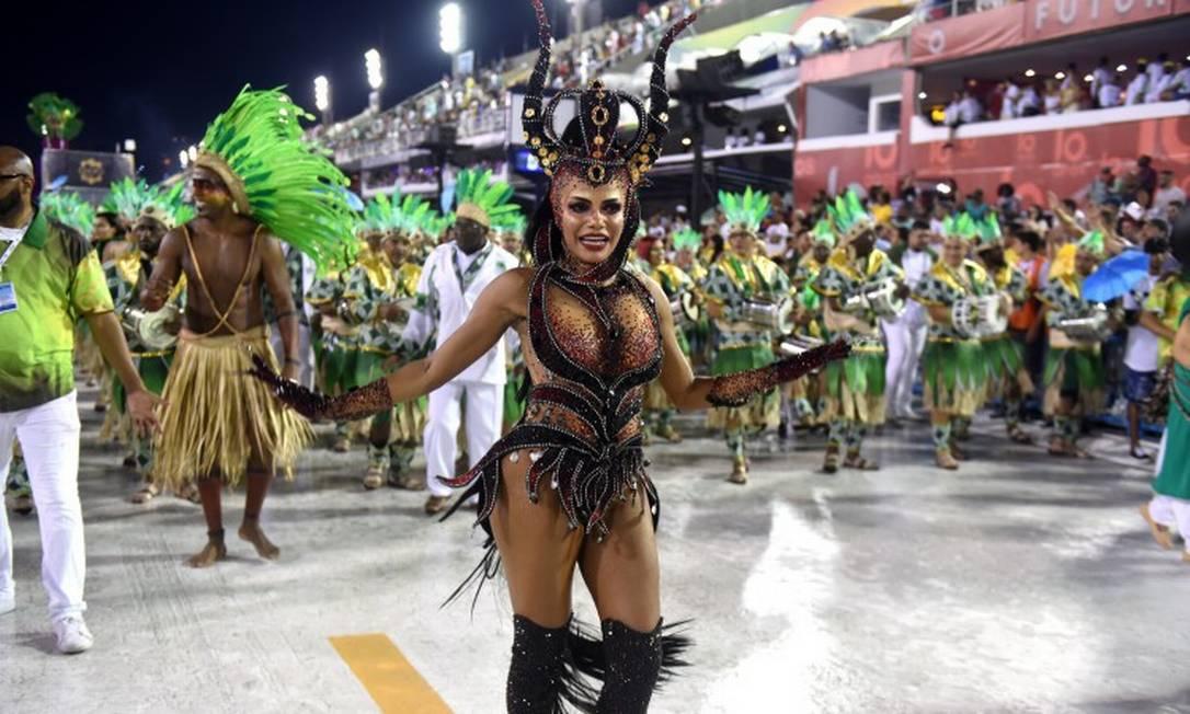 Quitéria Chagas no desfile da Império Serrano 2020 Foto: DIEGO MARTINS MENDES / Agência O Globo
