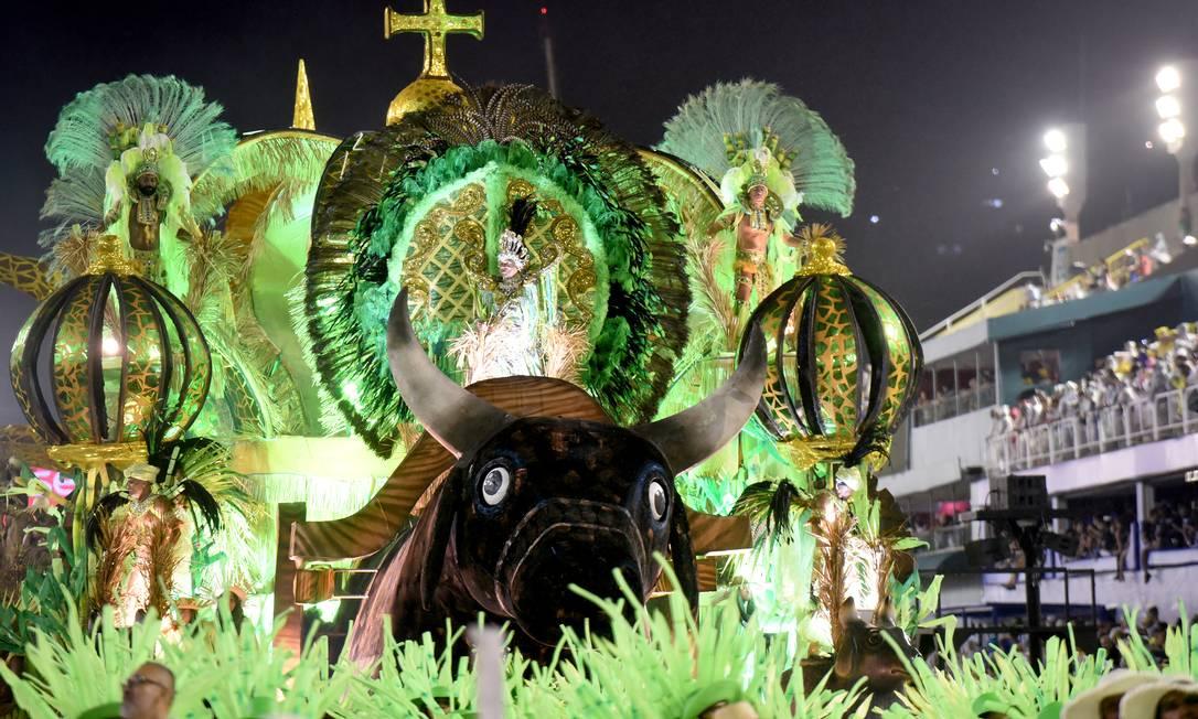 Acadêmicos de Santa Cruz homenageou cidade de Barbalha, no Ceará Foto: DIEGO MARTINS MENDES / Agência O Globo