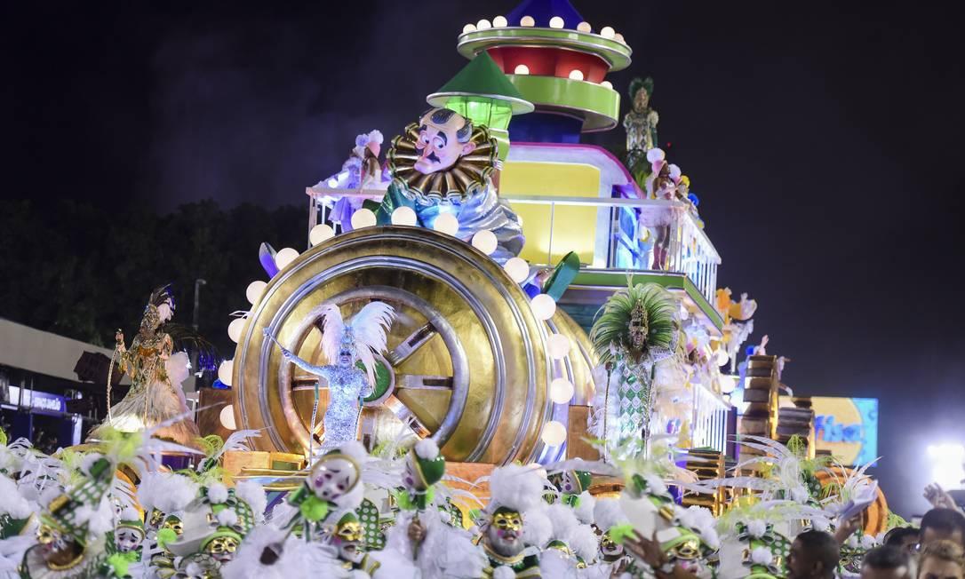 Abre-alas da Imperatriz chamou atenção pelo tamanho Foto: DIEGO MARTINS MENDES / Agência O Globo