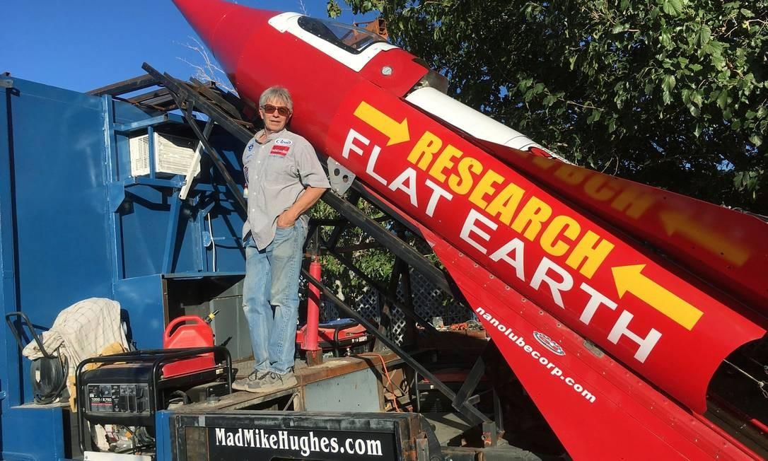 Americano Michael Hughes construiu foguete para provar que a Terra era plana Foto: Reprodução