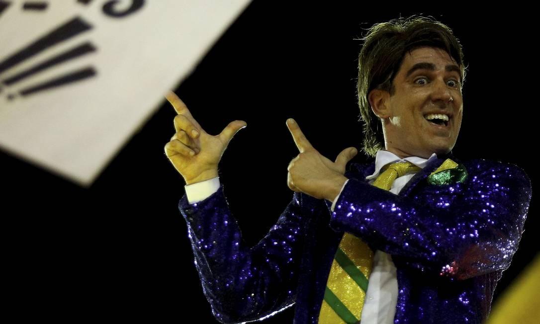 O humorista Marcelo Adnet veio caracterizado como presidente do Brasil Foto: BRENNO CARVALHO / Agência O Globo
