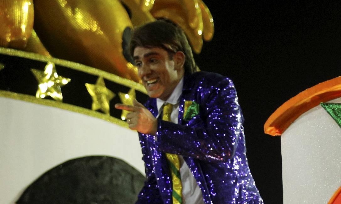 Adnet como presidente roubou a cena na São Clemente Foto: BRENNO CARVALHO / Agência O Globo