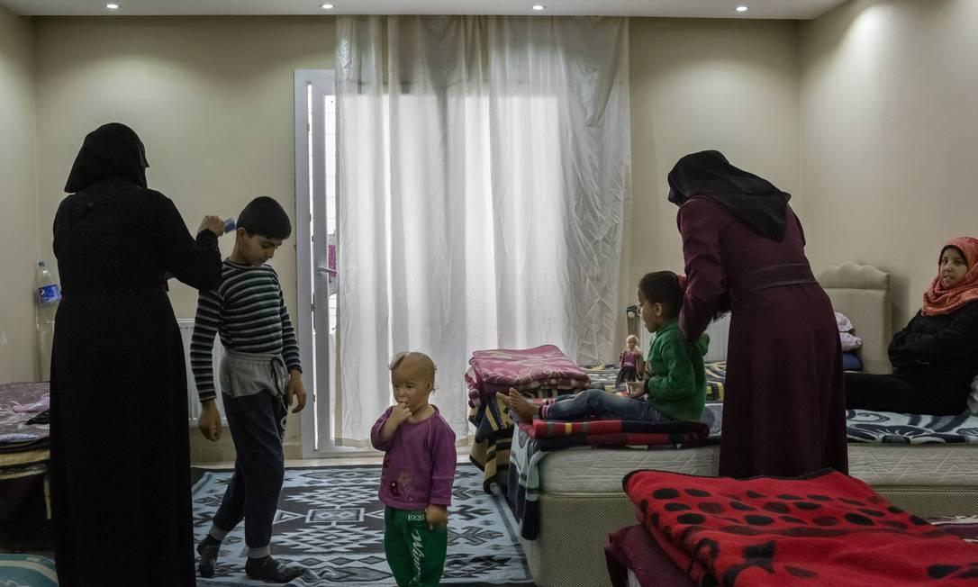 Refugiados sírios em um centro de reabilitação médica em Reyhanlim, na Turquia Foto: MAURICIO LIMA / NYT