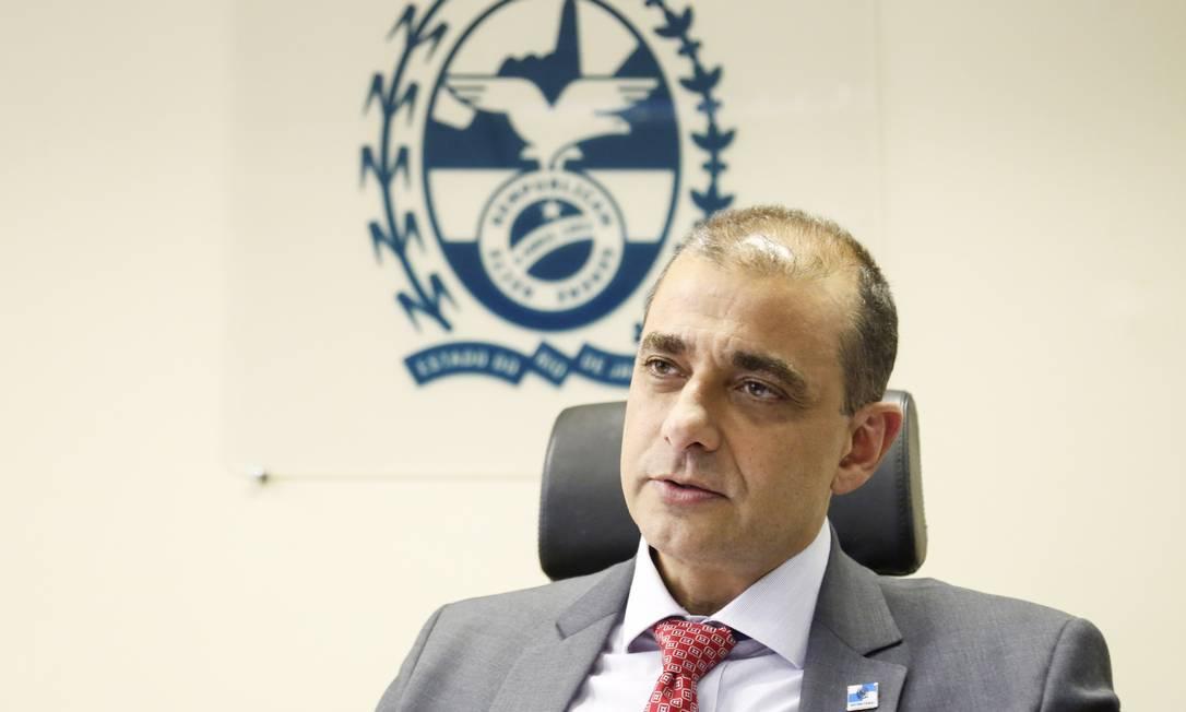 O secretário de Saúde, Edmar Santos Foto: Marcos Ramos / Agência O Globo