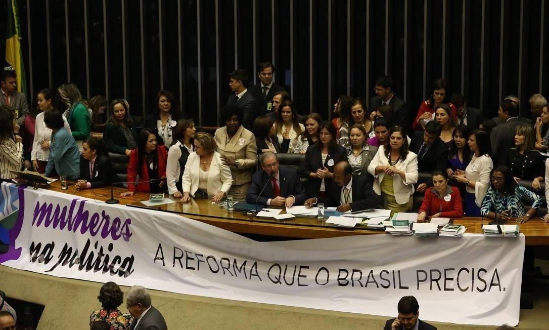 Mulheres pedem maior participação feminina na política em sessão da Câmara dos Deputados Foto: Aílton de Freitas / Agência O Globo