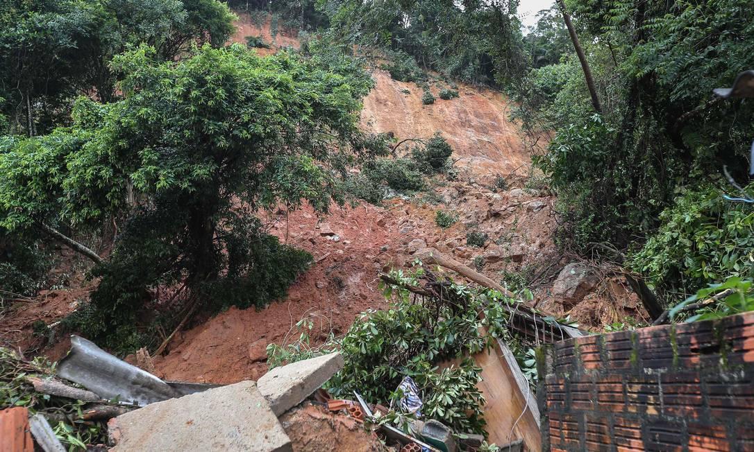 Além do Guarujá, as fortes chuvas atingiram também Santos e São Vicente Foto: Guilherme Dionizio / AFP