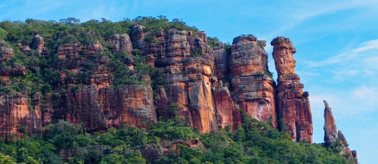 Bico da Serra, uma das formações rochosas mais conhecidas da Serra do Roncador, no Mato Grosso Foto: Divulgação