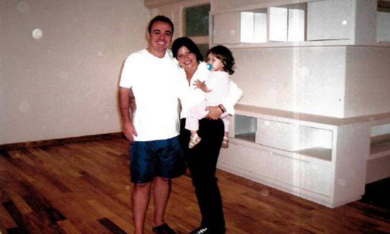Gugu e Rose na véspera de mudança para casa nova Foto: Arquivo Pessoal / Rose Miriam