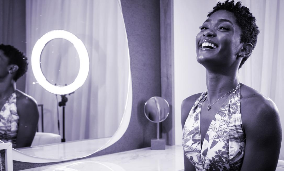 A atriz Érika Januza está entre as 11 mulheres que responderam à pergunta do Projeto Celina: e se o machismo acabasse amanhã, o que você faria? Foto: Fernando Lemos