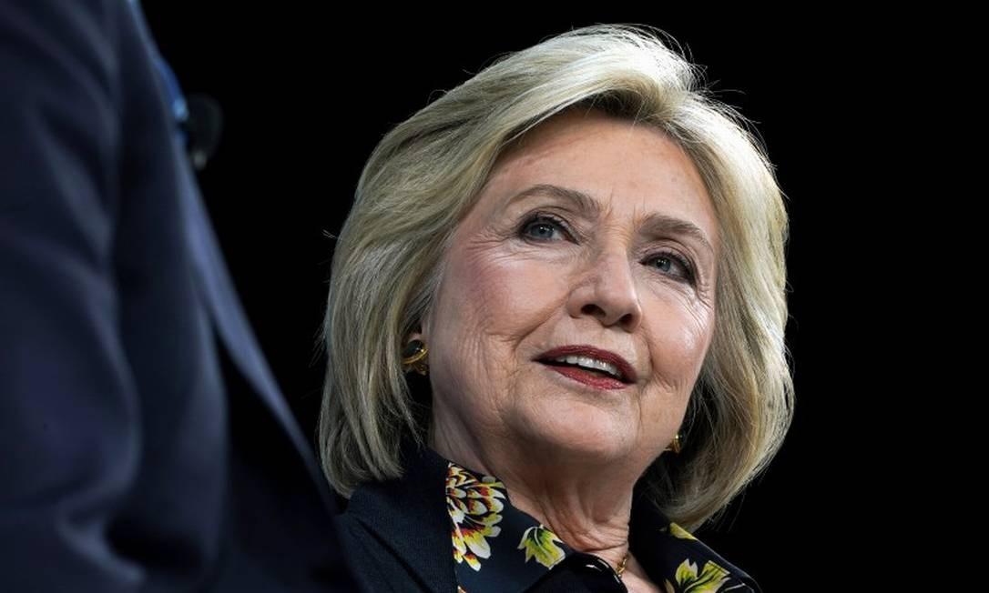 Na tela e na política. Nome influente no Partido Democrata, Hillary lança série documental enquanto legenda escolhe candidato que desafiará o republicano. 'É imperativo ganhar a eleição', diz Foto: JEENAH MOON / NYT