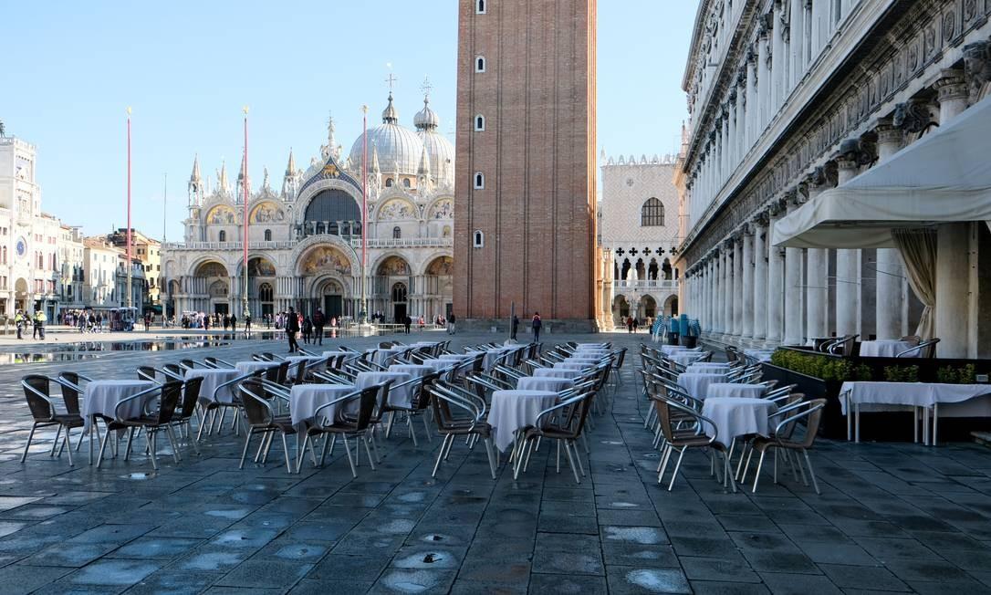 Restaurantes estão vazios em Veneza Foto: MANUEL SILVESTRI / REUTERS