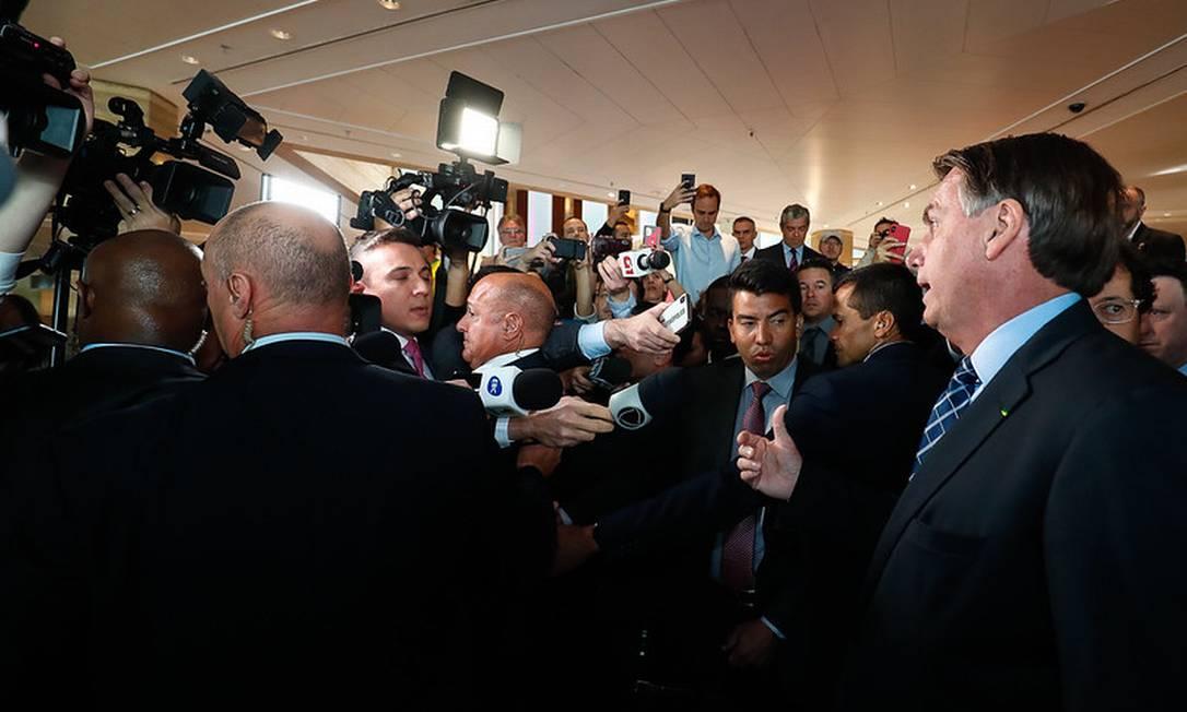 Bolsonaro falou por menos de dois minutos com jornalistas que acompanham a viagem aos EUA Foto: Alan Santos / Divulgação