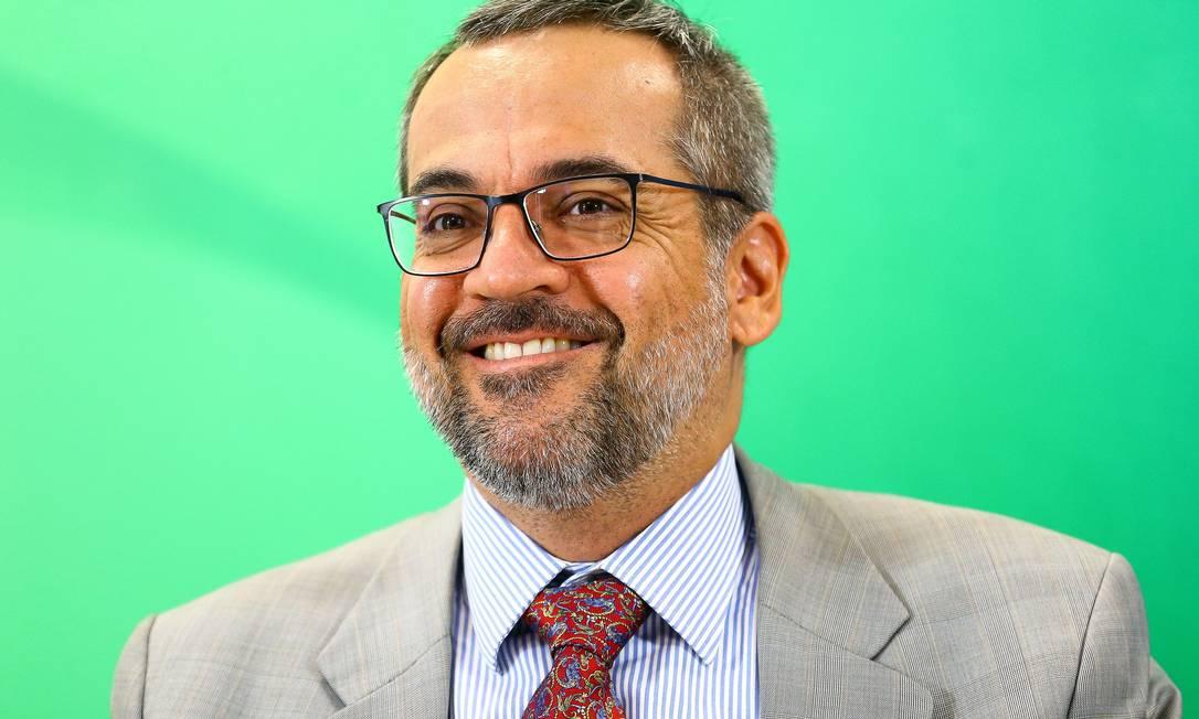 No Twitter, o ministro da Educação, Abraham Weintraub, ironiza evento suspenso por suspeita de coronavírus Foto: Marcelo Camargo/Agência Brasil / Agência O Globo