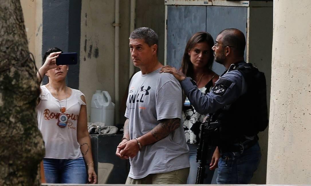 Ronnie Lessa foi preso no dia 12 de março de 2019. Dois dias depois, investigadores acreditam que armas tenham sido jogadas no mar, numa ação liderada pela esposa do PM reformado Foto: Agência O Globo