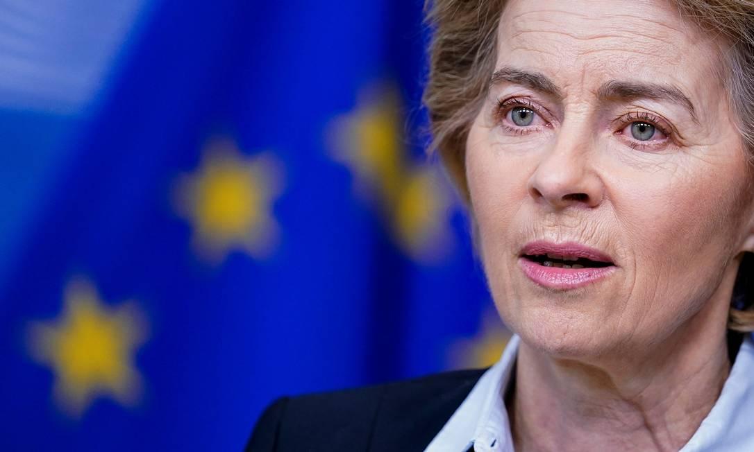 A presidente da Comissão Europeia, Ursula von der Leyen, anunciou criação de fundo para mitigar impactos do coronavírus Foto: KENZO TRIBOUILLARD / AFP