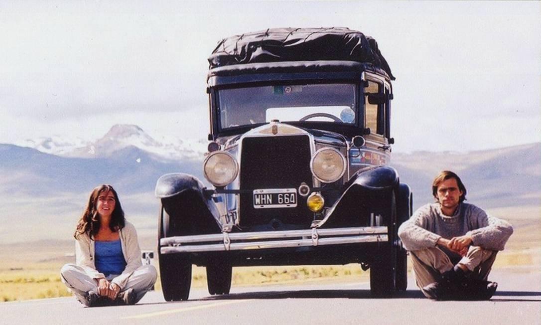 O início da viagem: o casal Zapp em 2000, no Altiplano peruano Foto: Álbum de família