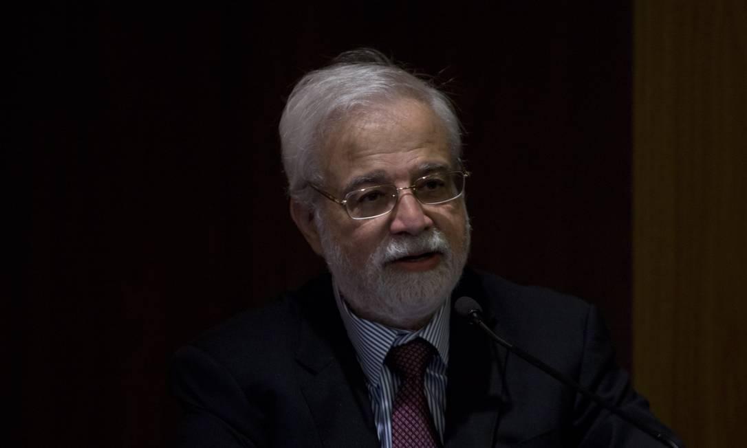Gustavo Loyola, ex-presidente do Banco Central, acredita que política monetária pode não ser eficaz para estimular economia Foto: Michel Filho / Agência O Globo