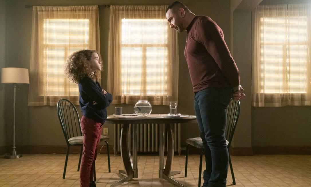 """Chloe Coleman e Dave Bautista em cena do filme """"Aprendiz de espiã"""" Foto: Divulgação/Michael Gibson / Courtesy of STXfilms"""