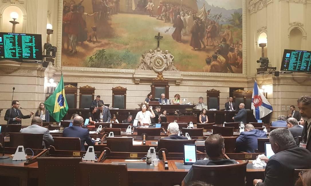 Vereadores no plenário da Câmara do Rio Foto: Agência O Globo