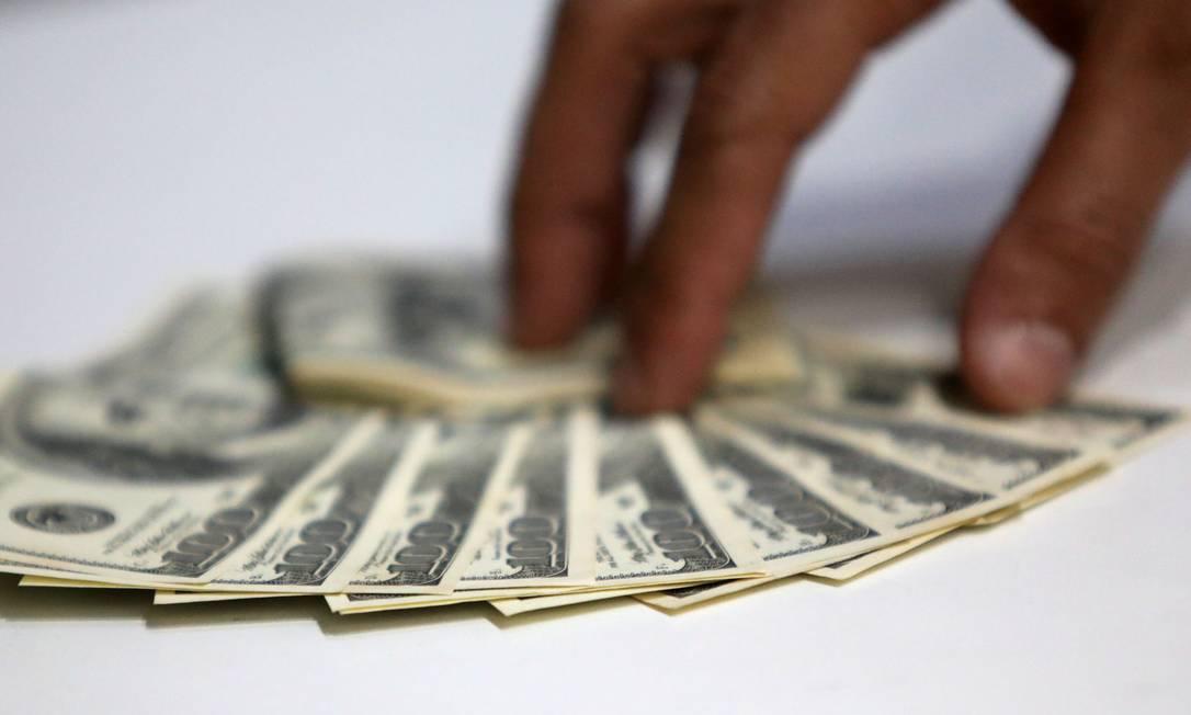 Banco Central vem atuando para tentar conter valorização do dólar Foto: FABIO MOTTA / Agência O Globo