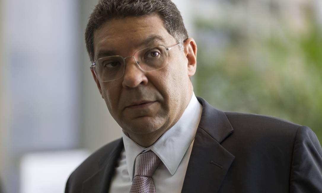 O secretário do Tesouro, Manseuto Almeida Foto: Edilson Dantas / Agência O Globo