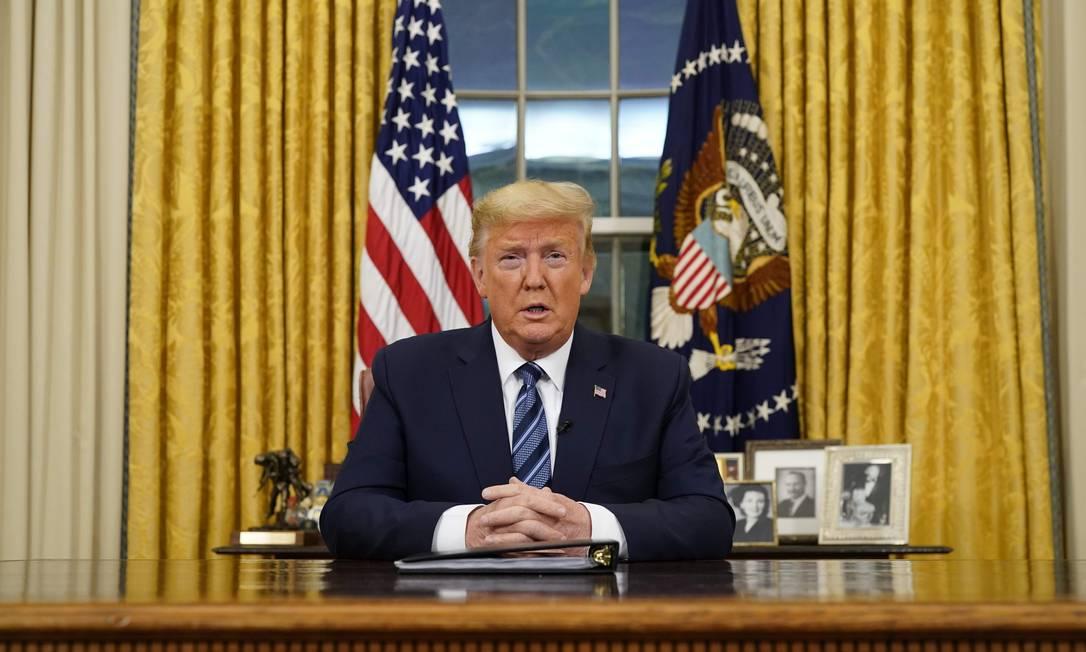 O presidente americano, Donald Trump, anunciou a suspensão de todos os voos da Europa para os EUA, com exceção do Reino Unido Foto: DOUG MILLS / AFP