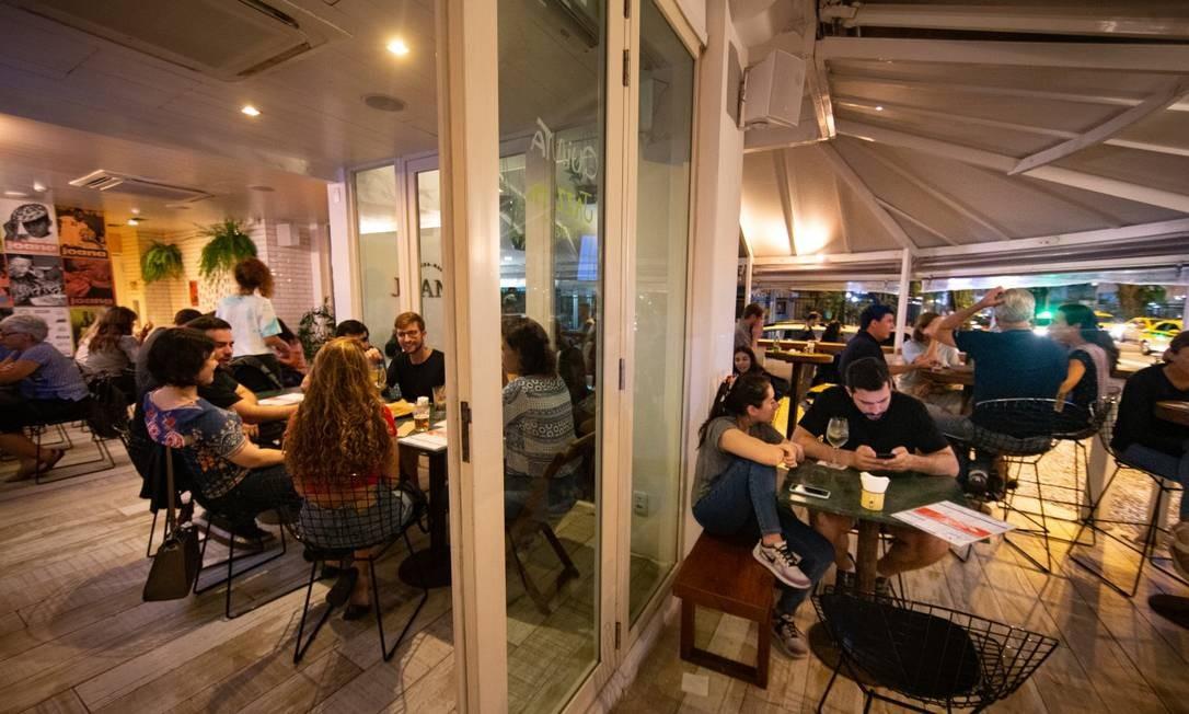 Hostel El Misti, com misto de bar, restaurante e pizzaria em Ipanema Foto Roberto Moreyra / Agência O Globo Foto: Agência O Globo/Roberto Moreyra