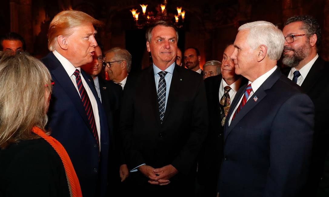 Fabio Wajngarten aparece à esquerda do presidente dos EUA, Donald Trump Foto: Alan Santos / Presidência da República