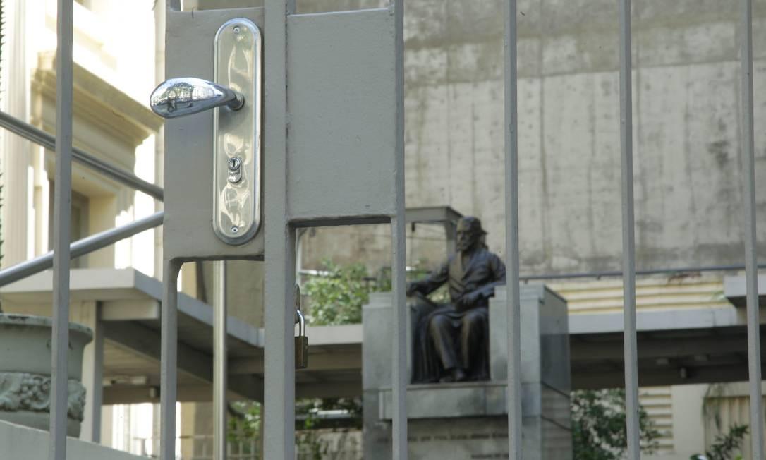 Academia Brasileira de Letras, no centro do Rio, fechou as portas por causa do coronavírus Foto: Gabriel de Paiva / Agência O Globo