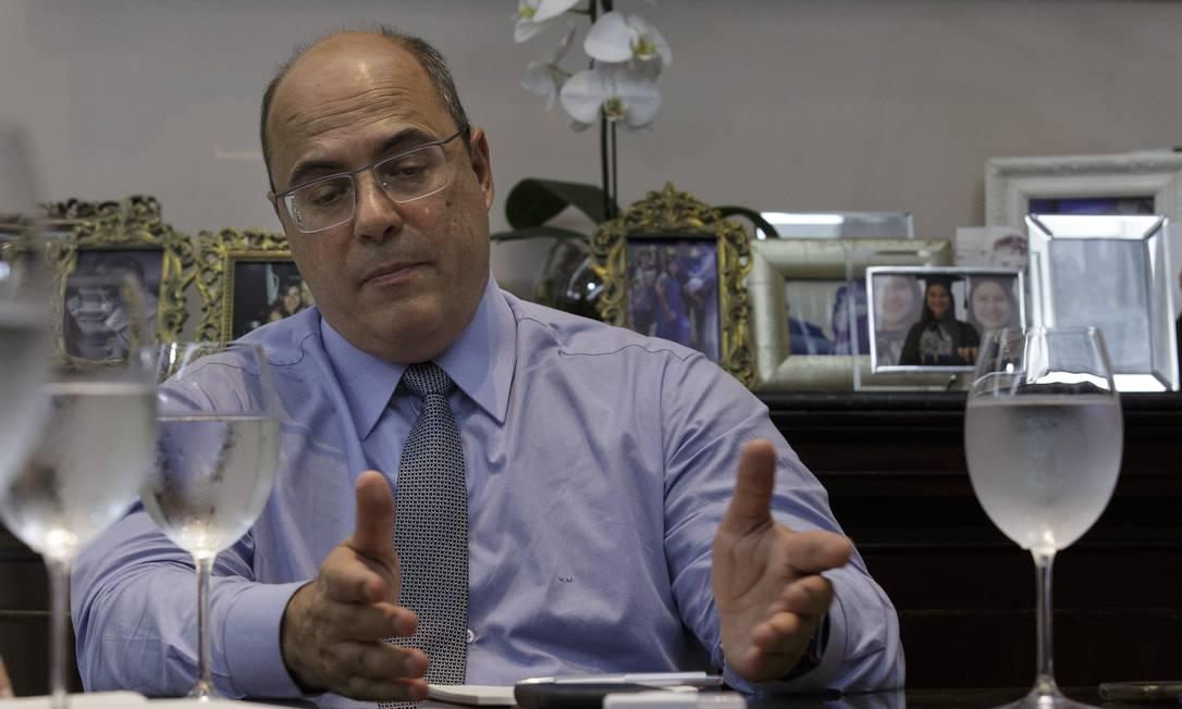 O governador Wilson Witzel em seu gabinete no Palácio Guanabara. Foto: Alexandre Cassiano / Agência O Globo
