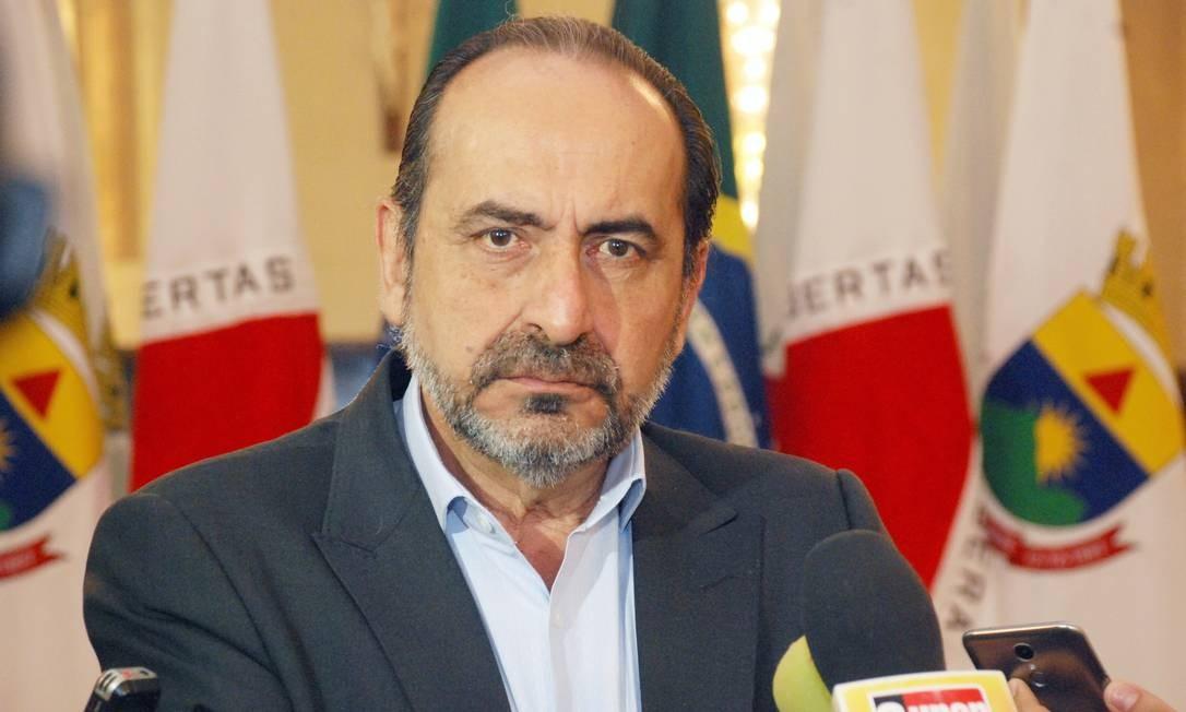 Prefeito de BH diz que ação de Bolsonaro na crise da covid-19 prejudica o país