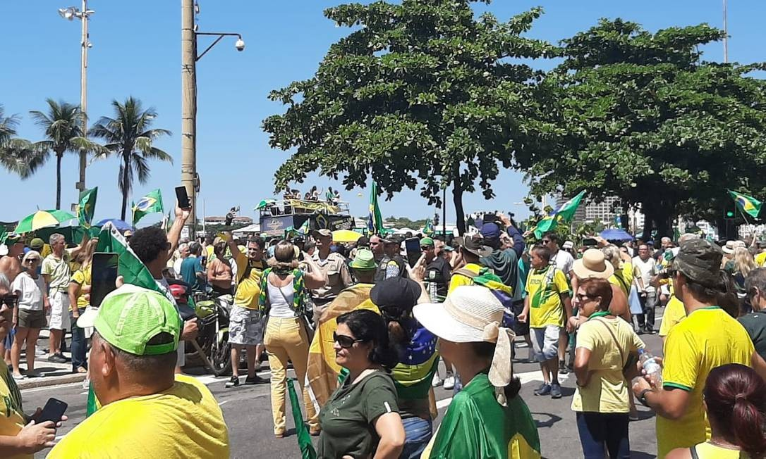 O ato no Rio aconteceu na Praia de Copacabana Foto: Alice Cravo / Agência O Globo