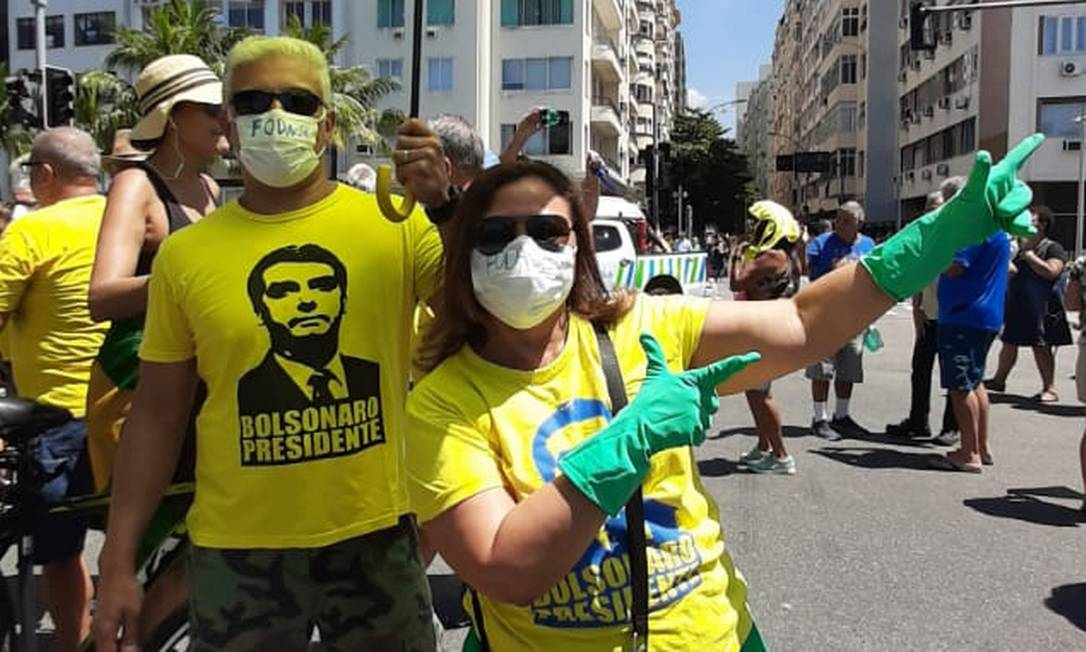No Rio e em Brasília, que tiveram os atos pela manhã, alguns dos apoiadores de Bolsonaro usaram máscaras Foto: Alice Cravo / Agência O Globo