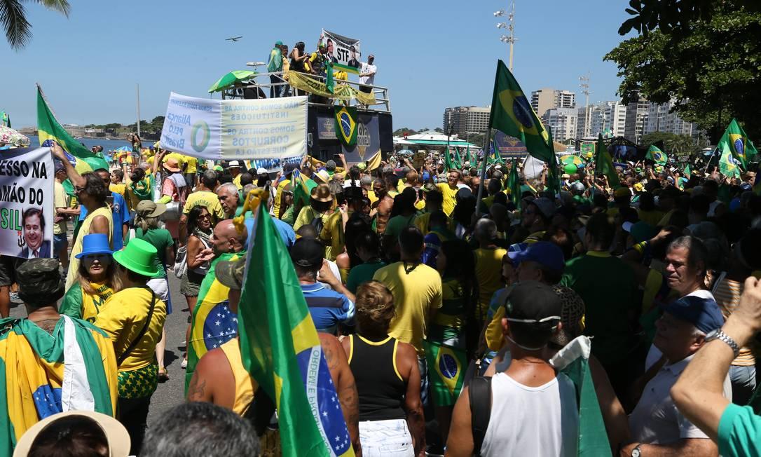 No Rio, o ato foi na Orla de Copacabana Foto: Pedro Teixeira / Agência O Globo