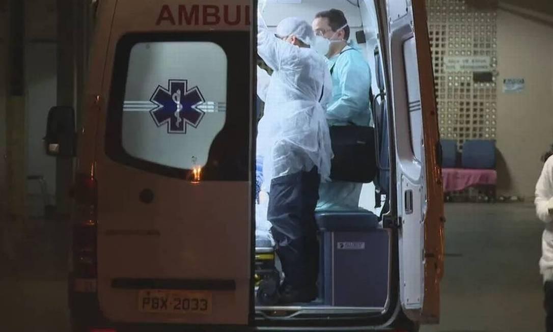 Marido acompanhou transferência de esposa para hospital público Foto: Reprodução TV Globo