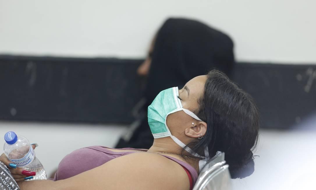 Pacientes e funcionários do HRAN, Hospital Regional da Asa Norte, em Brasília onde tem uma paciente internada com o virus Foto: Pablo Jacob / Pablo Jacob