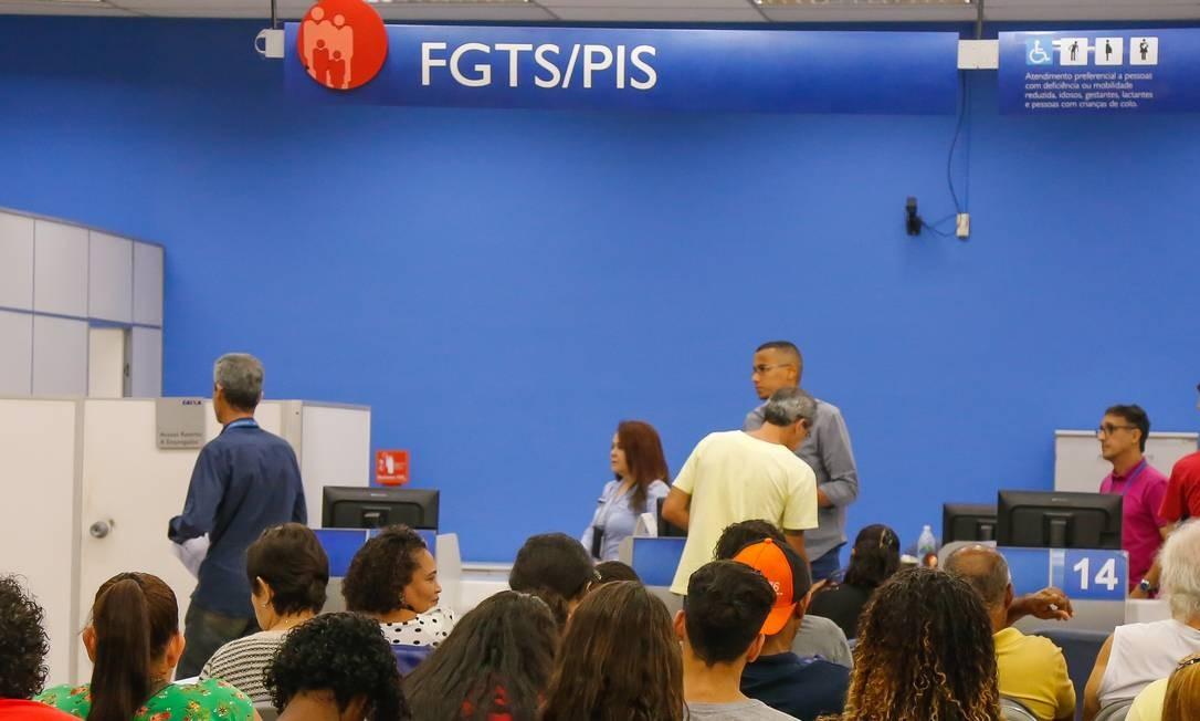 Governo anuncia liberação de novos saques do FGTS Foto: Marcelo Régua / Agência O Globo