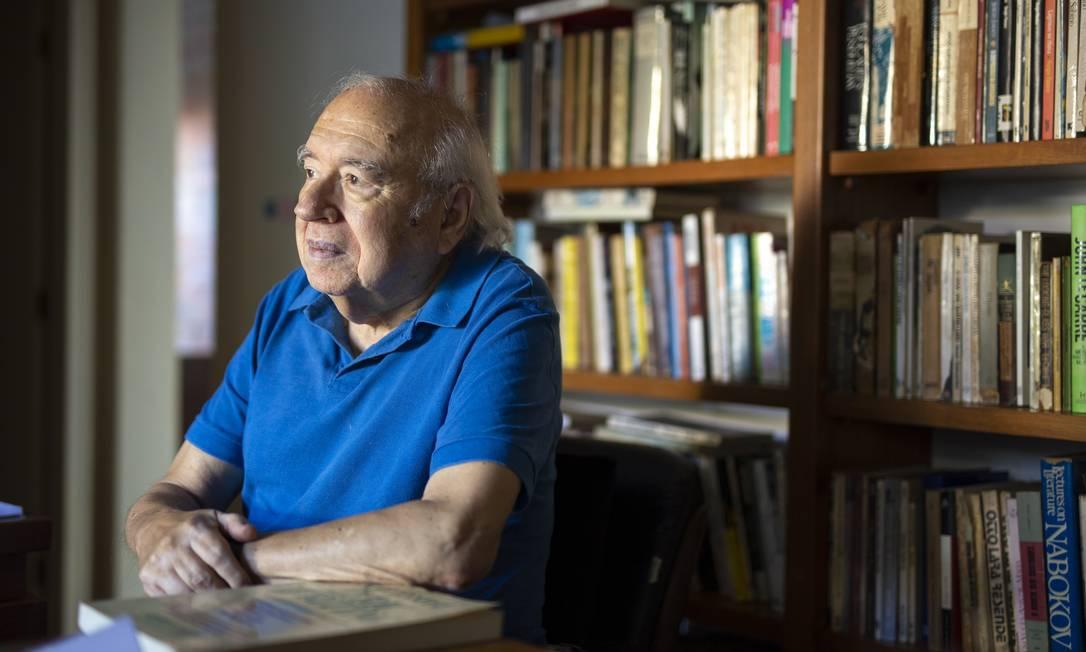 Luis Fernando Verissimo está entre os autores cujas obras foram adiadas pela Companhia das Letras em razão do coronavírus Foto: Ricardo Jaeger / Agência O Globo