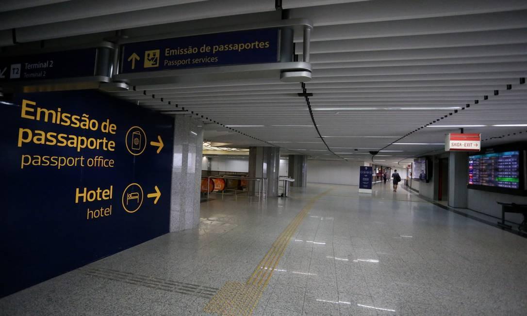 Emissão de passaporte será restrita Foto: Fabiano Rocha / Agência O Globo