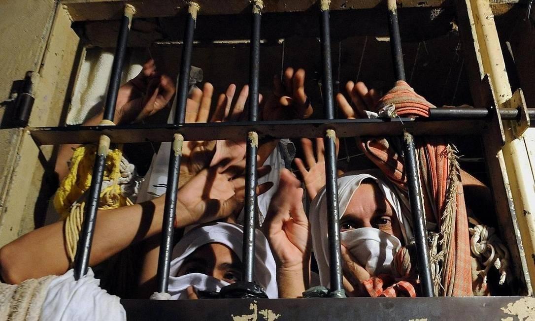 Prisão superlotada. CNJ recomenda liberar presos provisórios que se enquadrem no grupo de risco Foto: Arquivo/Divulgação