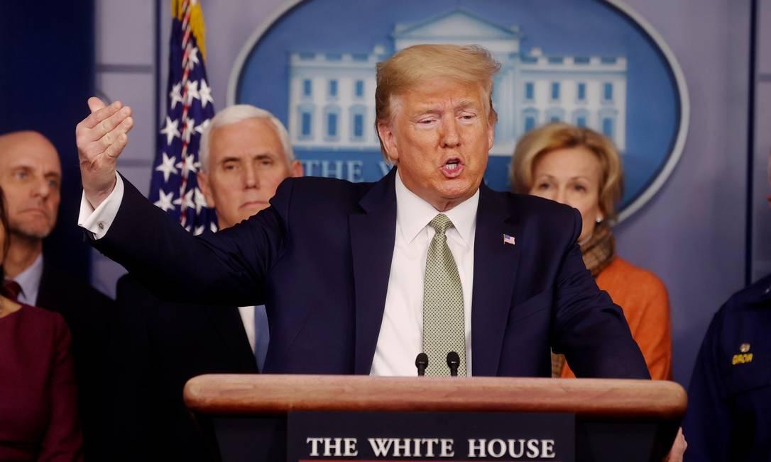 Presidente americano, Donald Trump, em coletiva sobre o coronavírus na Casa Branca Foto: JONATHAN ERNST / REUTERS