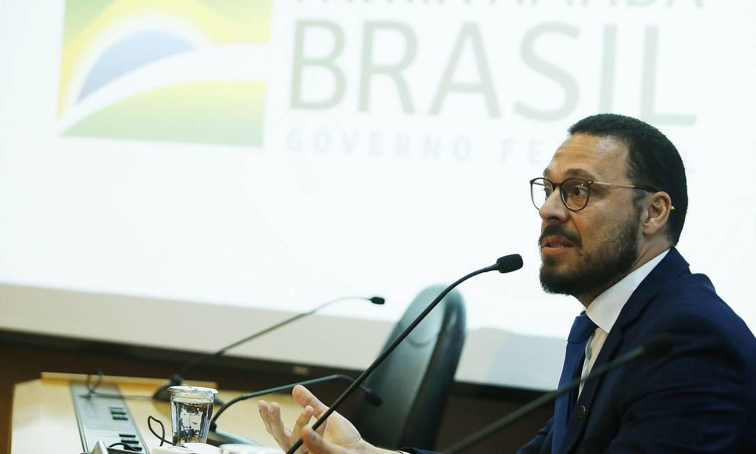 O diretor do departamento de imunização do Ministério da Saúde, Júlio Croda Foto: Jorge William / Agência O Globo